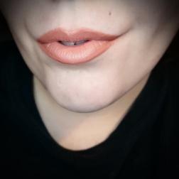 Kat Von D Studded Kiss Lipstick - Noble