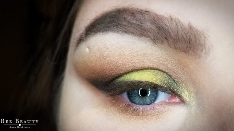 creepy green light (1)