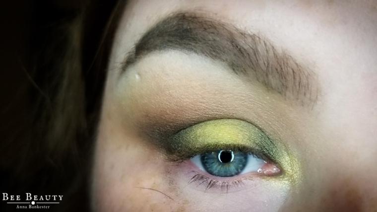 creepy green light (11)