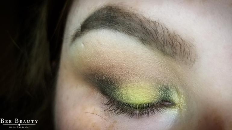 creepy green light (12)