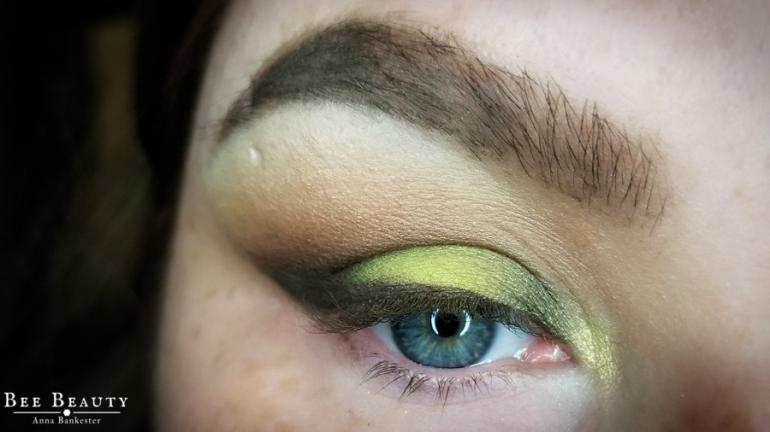 creepy green light (14)