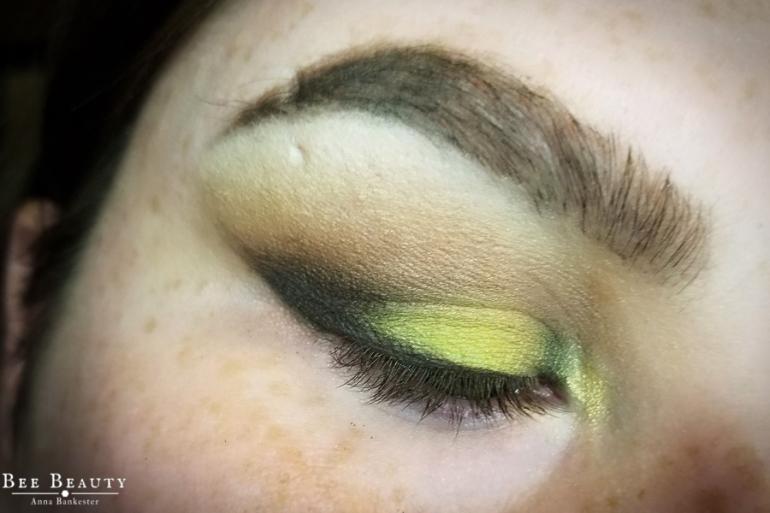 creepy green light (16)