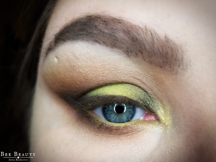 creepy green light (3)