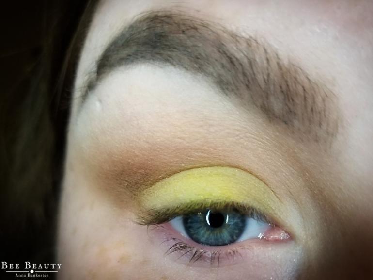creepy green light (8)