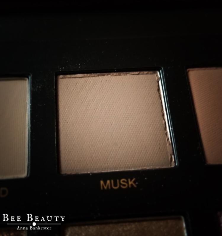 Huda Beauty Desert Dusk Palette - Musk