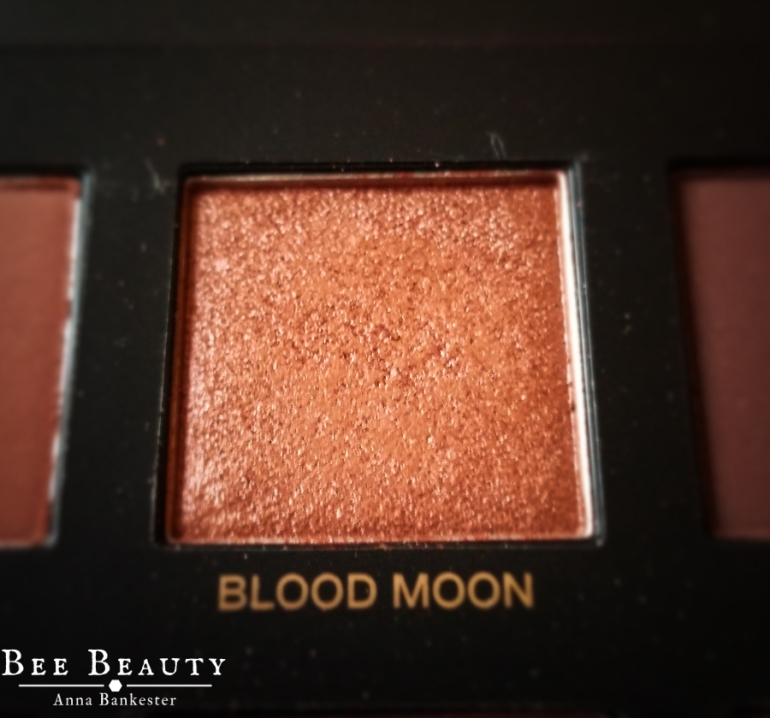 Huda Beauty Desert Dusk Palette - Blood Moon