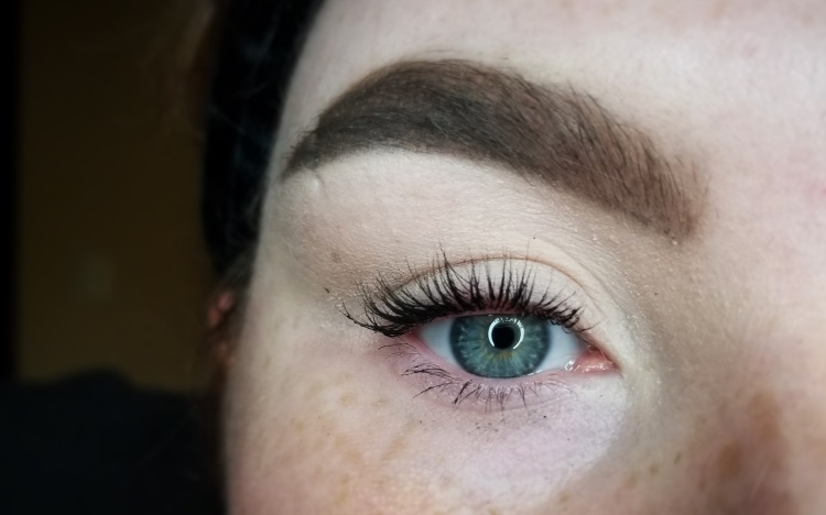 Review | Demo - Benefit Roller Lash Mascara