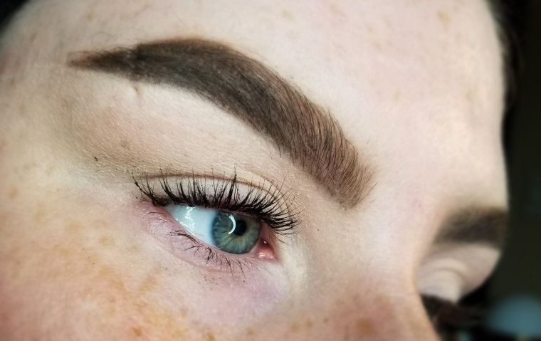 Review   Demo - Benefit Roller Lash Mascara