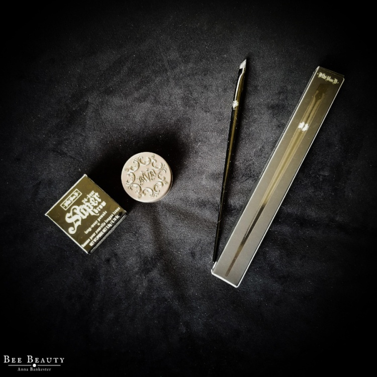 Kat Von D 24-Hour Super Brow Long-Wear Pomade + Pomade Brow Brush #70